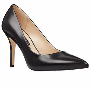 Nine West Black Leather Pointed Toe Heels